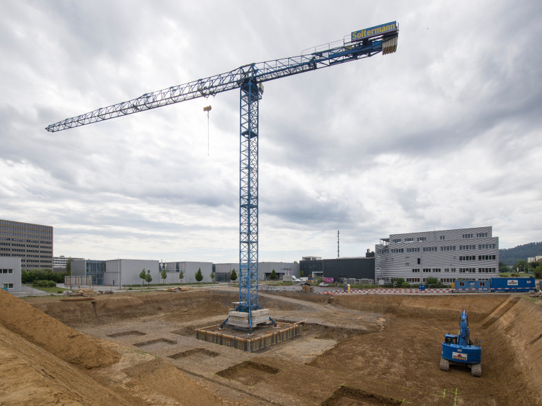 13.06.2020 Grue de construction
